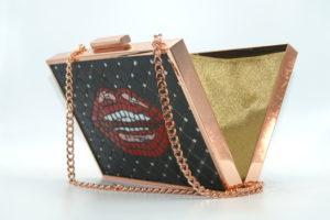 Wearable Art : Hot Lips mosaic minaudiere