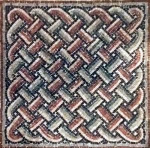 11 strands Solomon knot mosaic liuustrating the permanence of patterns of meanders or guilloche.