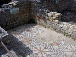 Grid pattern typical of the Aquitaine school of mosaics